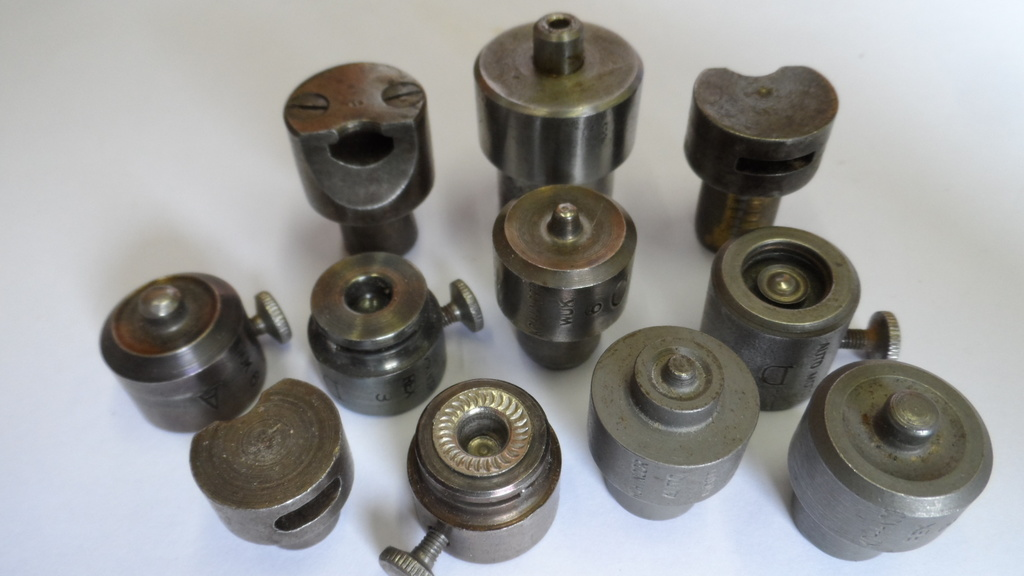 STEZA - Pistony k nýtování značka KOH-I-NOOR 11 ks (Použité - po starém sedláři - cena je za celek)