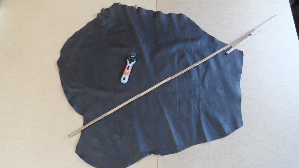 STEZA - Pravá hovězí kůže č.43 - 81dm2 (Hovězí kůže 0,8 mm silná)