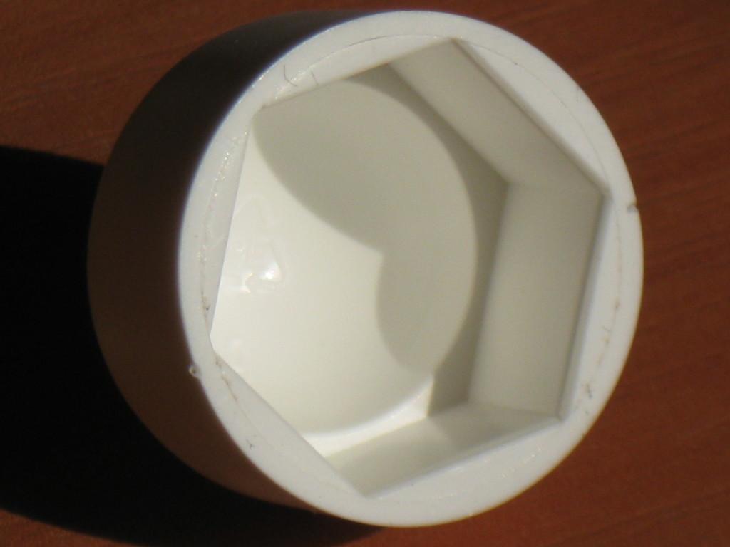 STEZA - Krytka na matice a šrouby M10, plastová BÍLÁ (Plastové krytky se používají na překrytí matic a šroubů)