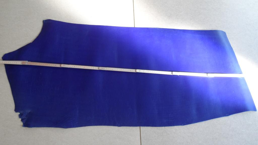 STEZA - Pravá hovězí kůže č.13 - 70dm2 (Hovězí kůže 3,5 až 4 mm silná)